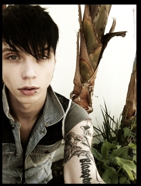 Andy's New Hair Cut -UPDATE- | BVB Army Headquarters